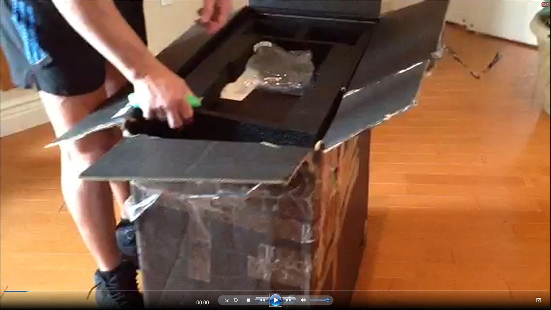 Damaged Box 4.jpg